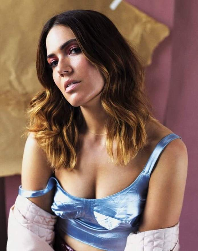 sexy pictures of mandy moore