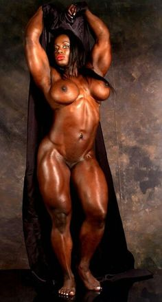 sexy female bodybuilders showing pussy